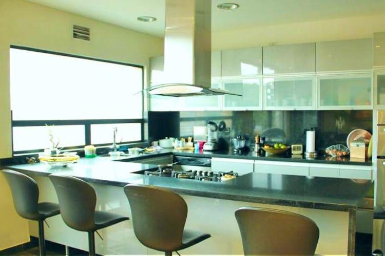 Foto 4 de Apartamento en Bogota El Chico - club house con piscina, sauna y turco
