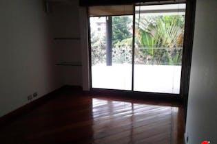 Casa en venta en Poblado con acceso a Piscina