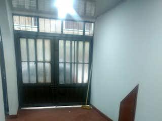 Una habitación que tiene una ventana en ella en Apartamento en venta en Andalucía de 30m2