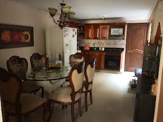 Una sala de estar llena de muebles y una chimenea en Casa en venta en Las Brisas, de 150mtrs2