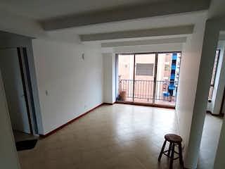 Una sala de estar llena de muebles y un suelo de madera en  URB VALDERROBLES