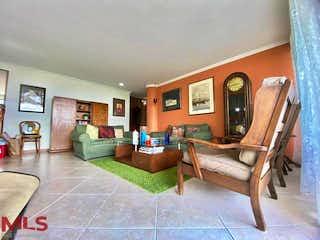 Una sala de estar llena de muebles y una mesa en Villas de San Lucas