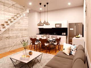 Una sala de estar llena de muebles y una lámpara de araña en Rebull 13