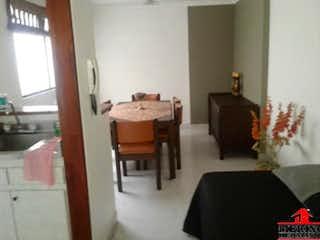 Una sala de estar llena de muebles y una ventana en EDIFICIO PH.
