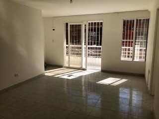 Una foto en blanco y negro de un baño en Casa en venta en Belén Centro, de 77mtrs2
