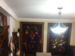 Una sala de estar llena de muebles y decoración en Casa en venta en Mota, de 150mtrs2