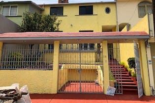 Se Vende Preciosa Casa En Lomas De Valle Dorado ,