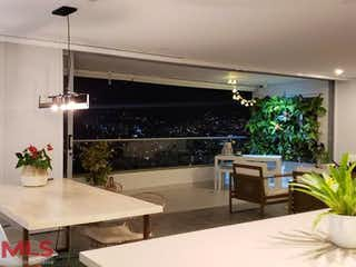 Una sala de estar llena de muebles y una planta en maceta en Nativo Madera (El Chocho)