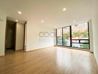 Una sala de estar llena de muebles y una ventana en Apartamento en venta en Santa Barbara Oriental de una habitacion