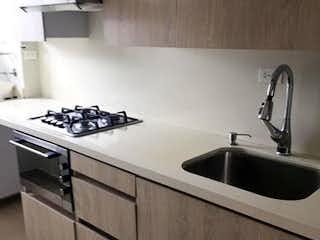 Una cocina con un fregadero y un horno de cocina en Apartamento en venta en Cuarta Brigada, de 70mtrs2