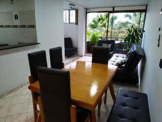 Una sala de estar llena de muebles y una televisión de pantalla plana en pysandu