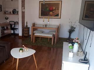 Un cuarto de baño con lavabo de bañera y espejo en Apartamento en venta en Pan de Azúcar, de 74mtrs2