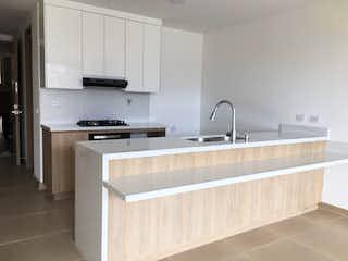 Una cocina con un fregadero y un horno de cocina en Apartamento en venta en Calasanz, de 115mtrs2