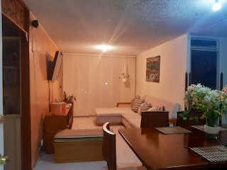 Un cuarto de baño con lavabo y ducha en Apartamento en venta en Hayuelos Reservado, 77mt