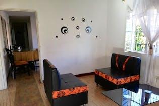 Casa en venta en Robledo de 4 hab.