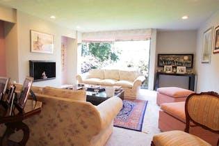 Casa en venta en Bosque De Las Lomas de 590m² con Jardín...