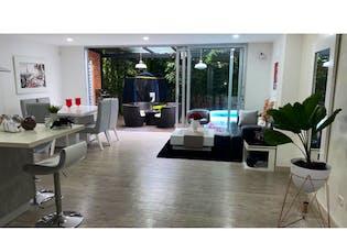 Casa en venta en San Lucas Envigado con acceso a Piscina