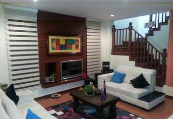 Casa en venta en Casco Urbano Chía de 4 habitaciones
