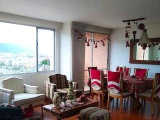 Una sala de estar llena de muebles y una mesa en Apartamento en venta en Morato, de 89mtrs2