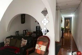 Casa en venta en Manrique Central, 137m²