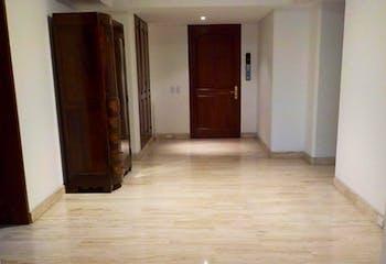 Apartamento en Bogota Chico Reservado - tres alcobas, cuarto y baño de servicio, cuatro garajes