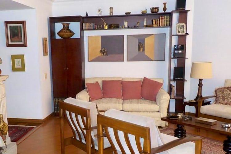 Foto 1 de Apartamento en Bogota La Carolina - tres alcobas, dos baños