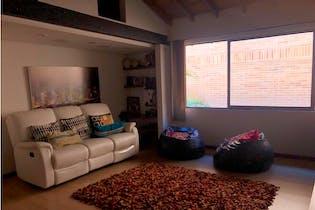 Casa en venta en El Poblado de 322m² con Jardín...