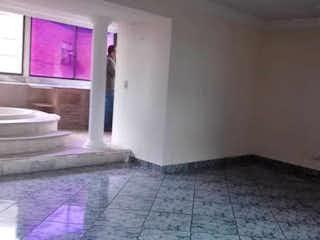 Un cuarto de baño con lavabo y ducha en Apartamento en venta en Cristo Rey de 220m² con Gimnasio...