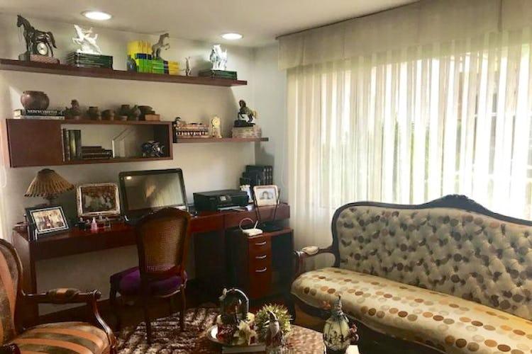 Foto 13 de Casa En Bogota Sotileza de tres pisos, cuatro garajes.