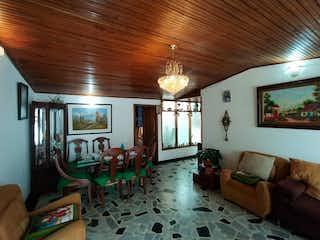 Una sala de estar llena de muebles y una ventana en Apartamento en venta en Casco Urbano Zipaquirá, de 126mtrs2