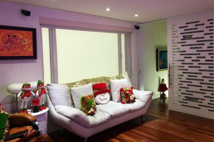 Foto 8 de Apartamento en Bogota Rosales - dúplex, con amplia terraza