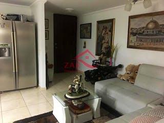 Una sala de estar llena de muebles y una chimenea en Arboleda del Rodeo