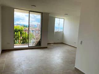 Una habitación que tiene una ventana en ella en Apartamento en venta en Vía Marinilla, de 58mtrs2