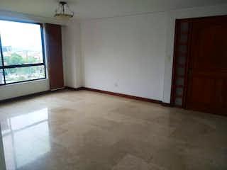 Una habitación que tiene una cama en ella en Apartamento en venta en Patio Bonito, 160mt