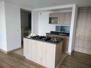 Cocina con fogones, fregadero y microondas en Apartamento en venta en Los Colegios de 3 hab. con Zonas húmedas...
