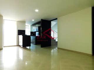 Una imagen de una sala de estar con una gran pantalla de televisión en Edificio Saint Marteen
