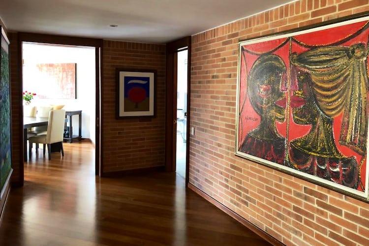 Foto 1 de Apartamento En Venta En Bogota Rosales, cuenta con 3 garajes y deposito.