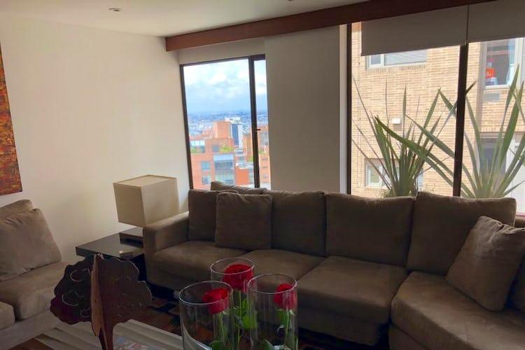 Foto 3 de Apartamento En Venta En Bogota Rosales, cuenta con 3 garajes y deposito.