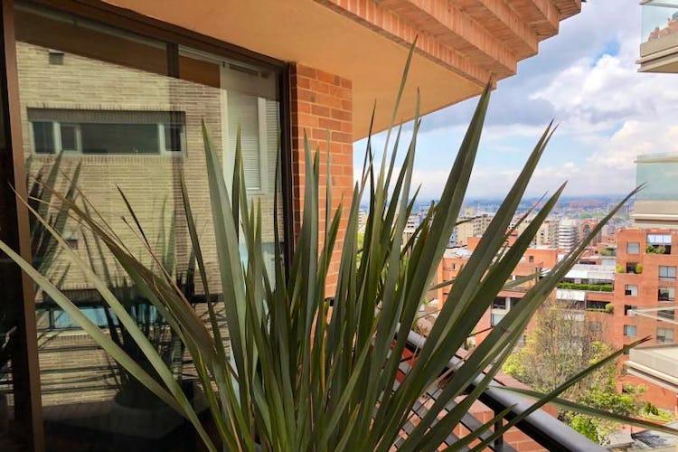 Foto 4 de Apartamento En Venta En Bogota Rosales, cuenta con 3 garajes y deposito.
