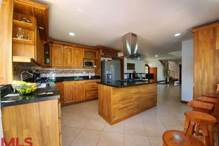 Casa en venta en Casco Urbano Copacabana 520m² con Zonas húmedas...
