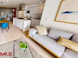 Una sala de estar llena de un montón de muebles blancos en Condominio Natural Plante
