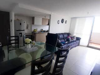 Una sala de estar llena de muebles y una ventana en MIRADOR DE ARBOLEDA