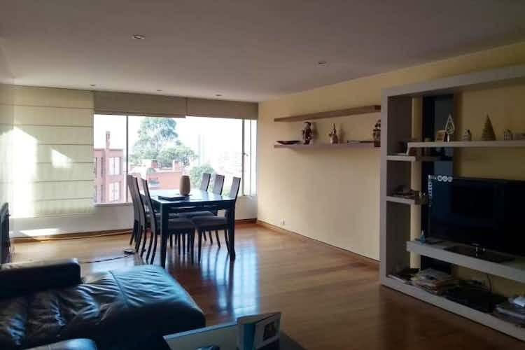 Portada Apartamento en Bogota Rosales - con un garaje y depósito