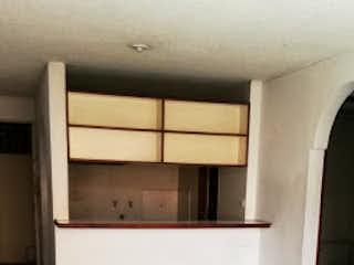 Un cuarto de baño que tiene una bañera en él en Apartamento en venta en Calasanz, 72mt