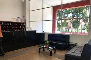 Apartamento En Bogotá, Hayuelos, cuenta con 3 alcobas.