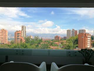 Una vista de una ciudad con un horizonte de la ciudad en el fondo en Apartamento en venta en Estadio 111m² con Piscina...