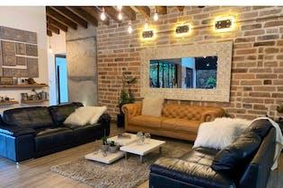 Casa en venta en Llano Grande de 1690m²