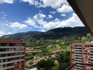 Una vista de una montaña con un edificio en el fondo en Apartamento en venta en El Dorado 83m² con Gimnasio...