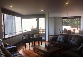 Apartamento En Venta En Bogota Los Cerros, cuenta con dos garajes y deposito.