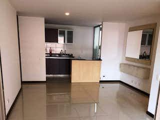 Cocina con horno de cocina y nevera en Apartamento en venta en San Diego, 82mt con balcon